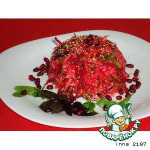 Рецепт Cалат из свеклы с кольраби  и кунжутом