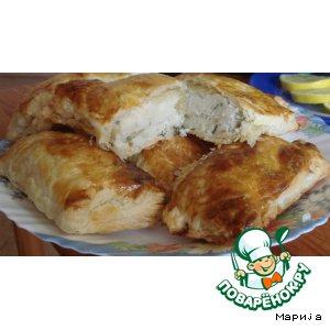 Рецепт Пирожки из слоеного теста с картофелем, зеленью и луком