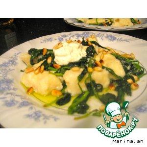 Рецепт Ленивые вареники со шпинатом и кедровыми орешками
