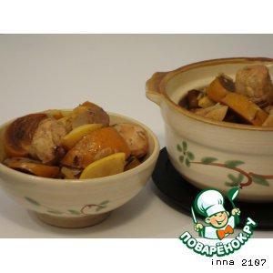 Рецепт Куриная грудка, тушенная в вине, с айвой и хурмой