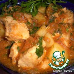 Рецепт Курица тушеная с помидорами и луком