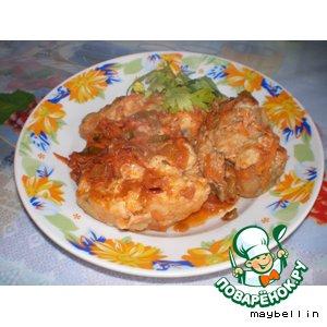 Рецепт Хек под кисло-сладким соусом с солeными огурчиками