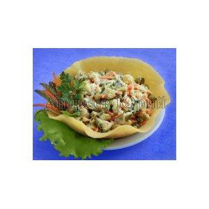 Рецепт Салат в сырной корзиночке