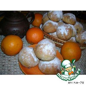 Рецепт Сдобные булочки с изюмом и вишней