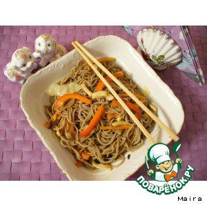 Рецепт Гречневая лапша с овощами и кальмарами