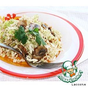 Рецепт Салат из китайской капусты с шампиньонами и орехами