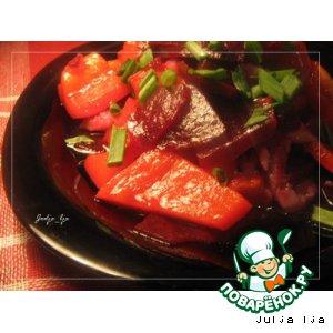 Рецепт Салат из свеклы и печeного перца с сельдью