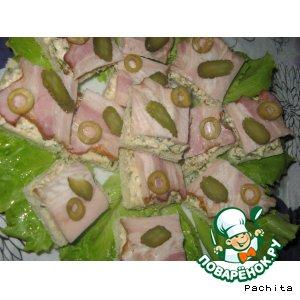 Рецепт Бутерброды с орехами и копченой грудинкой