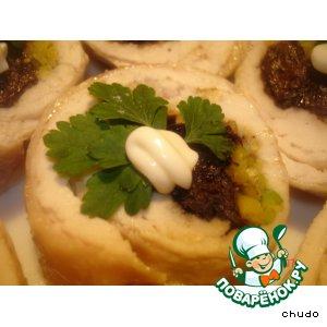 Простой рецепт приготовления с фото Куриный рулет с черносливом и фисташками