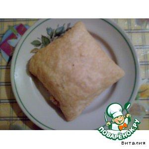 Рецепт Слоеные пирожки с творогом и вишней