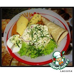 Рецепт: Салат с консервированным кальмаром