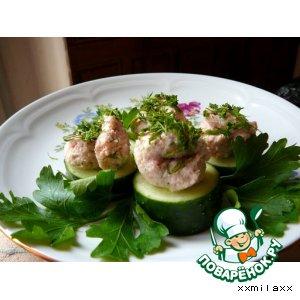 Рецепт Мусс из копчeного лосося на огуречных дольках