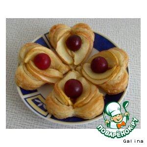 Рецепт Сердечки из слоеного теста с яблоками
