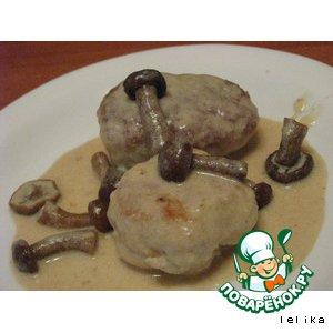 Рецепт Куриные котлетки в сырно-сливочном соусе с опятами