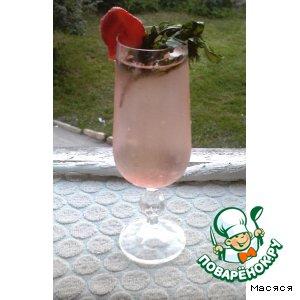 Рецепт Клубнично-мятный напиток