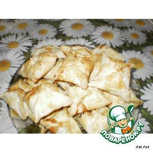 Рецепт Слоеные пирожки с колбасой и сыром