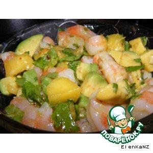 Рецепт Салат с креветками, авокадо и манго