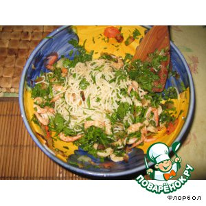 """Рецепт Салат """"Гeк Ши"""" с рисовой лапшой  и креветками"""