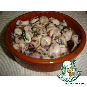 Рецепт Кальмарчики в чесночном соусе/Chipirones al ajillo