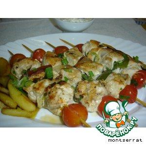 Рецепт Грудка индейки на шпажках, с овощами и яблоками