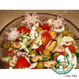 Рецепт Салат из морепродуктов и овощей