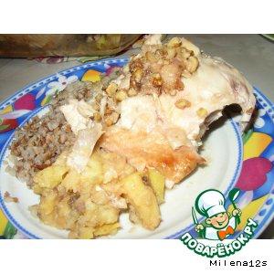 Рецепт Цыпленок, фаршированный яблоками, с медово-ореховой корочкой