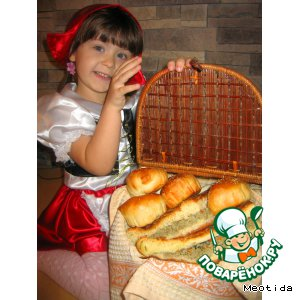 """Рецепт Пирог с мясом и пирожки с картошкой """"Гостинец для волка и бабушки"""""""