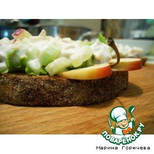 Рецепт Открытый бутерброд с курицей и сельдереем