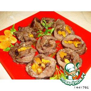 Рецепт Мясной рулет с сухофруктами