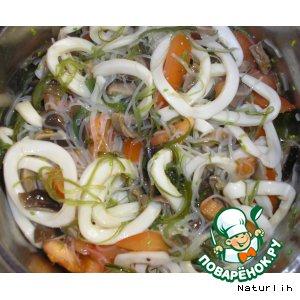 Рецепт Салат с рисовой лапшой и грибом шиитаки
