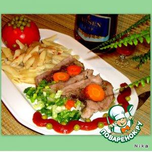Рецепт Запеченная свинина с морковью и изюмом