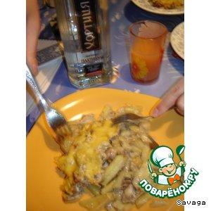 Рецепт Картошка запеченая с мясом и грибами в сметане