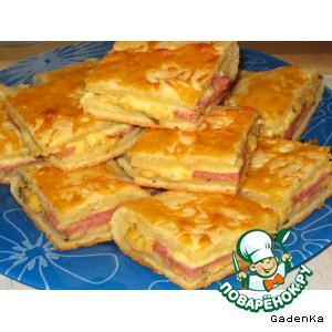 Рецепт Пирог с творогом и копченой колбасой