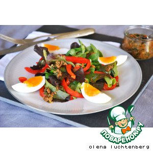 Рецепт Зеленый салат с яйцом и анчоусной заправкой