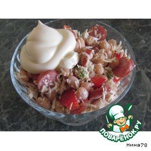 Рецепт Салат с фасолью, брынзой и чесноком