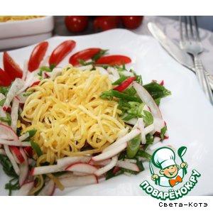 Теплый салат с лапшой вкусный рецепт с фотографиями пошагово