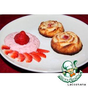 Рецепт Бисквитные розочки с клубникой