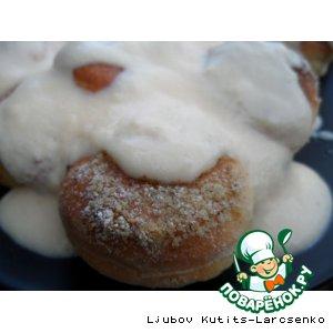 """Рецепт Сладкие  """"Золотые шарики"""" с орехами под ванильным соусом по-венгерски"""