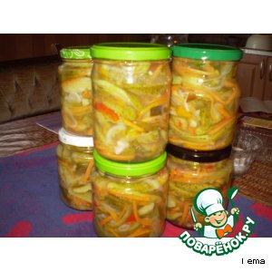 Рецепт Пикантный салат из огурцов