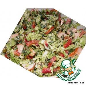 Рецепт Легкий салат с куриной грудкой и овощами