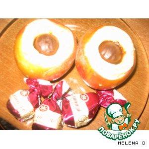 """Рецепт Яблочные ватрушки с грецкими орешками и """"ромовой вишней"""""""