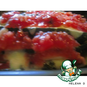 """Рецепт """"Гармонь"""" из   цуккини,  начиненного сыром, зеленью и помидорами"""