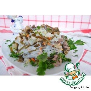 Рецепт Теплый салат из куриной печени, морской капусты и фунчозы