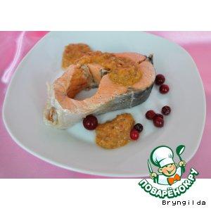 Рецепт Кижуч на пару  под соусом из клюквы, хрена и солений