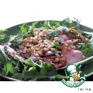 Рецепт Теплый салат с беконом и орехами