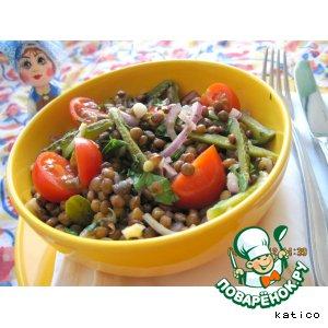 Рецепт Салат из чечевицы с соленым огурцом, луком и помидорами
