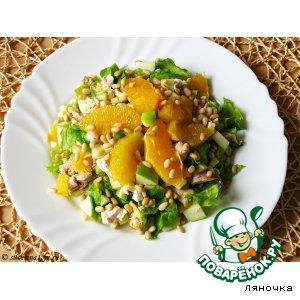Рецепт Салат с курицей и кедровыми орешками
