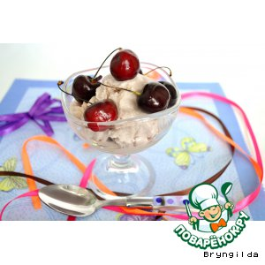 Рецепт Мороженое на клубничном сиропе