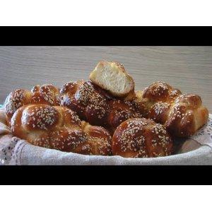 "Рецепт Плетеные булочки с кунжутом ""Пита майзе"""