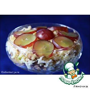 Рецепт Салат из тунца с орехами и виноградом